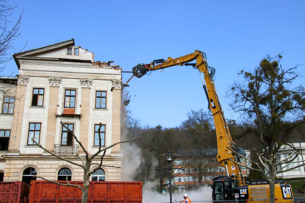 """MB Spezialabbruch - Projekte: Hotel Charlotte - Teilrückbau & Bauteilsicherung Hotel """"Charlotte"""", Bad Liebenstein"""