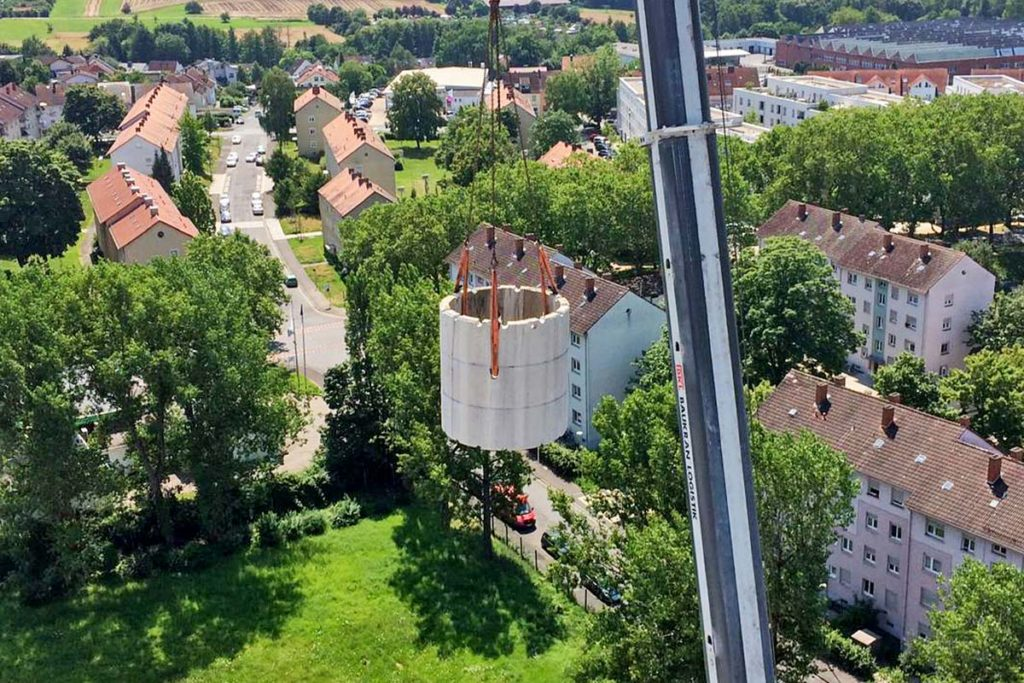 MB special demolition - Projects: Chimney, Aschaffenburg - selective dismantling using special equipment